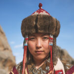 Cachemire rosso, una rinascita al femminile